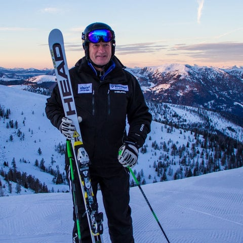 Skiing before 9 with Franz Klammer